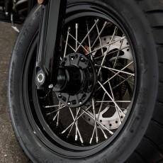 프론트 레이스드 휠 - 블랙
